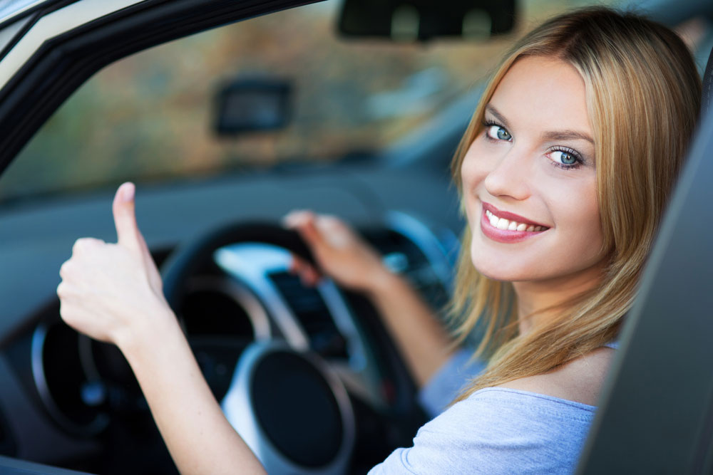 woman_car